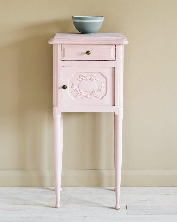 Antoinette Side Table 1600