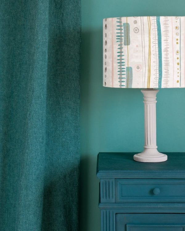 Aubusson Blue side table Linen Union in Provence Aubusson Blue curtain Piano in Provence lampshade 1600