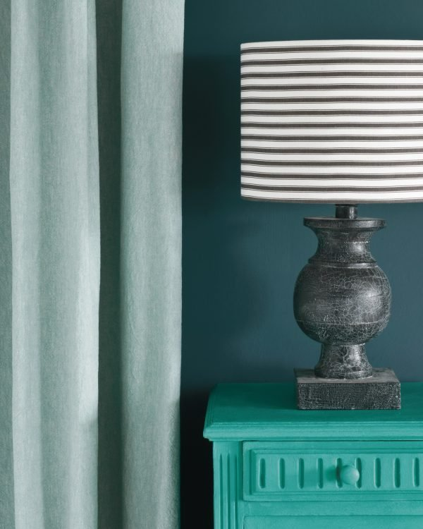 Florence side table Aubusson Blue Wall Paint Linen Union in Provence Old White curtain Ticking in Graphite lampshade 1600