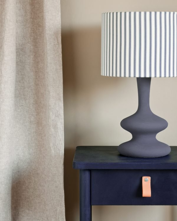 Oxford Navy side table curtain in Linen Union in Old White French Linen lamp base in Old Violet lampshade in Ticking in Old Violet 1600