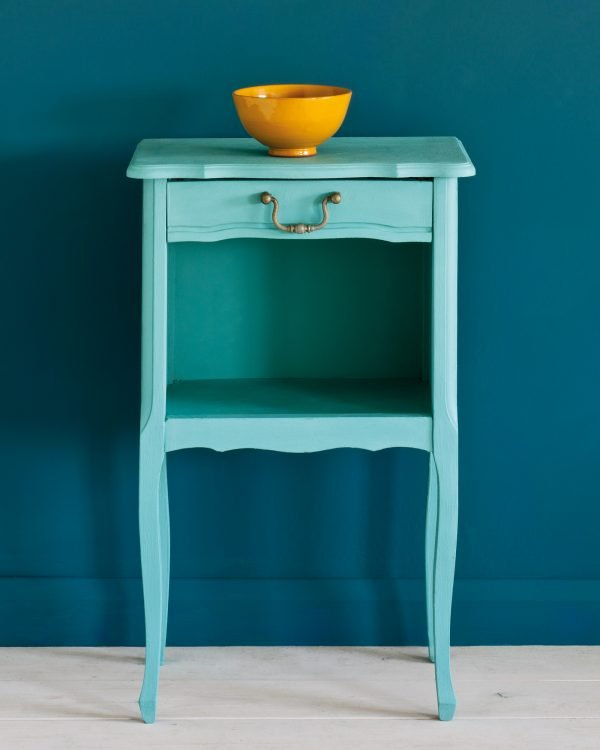 Provence side table Wall Paint in Aubusson Blue 1600